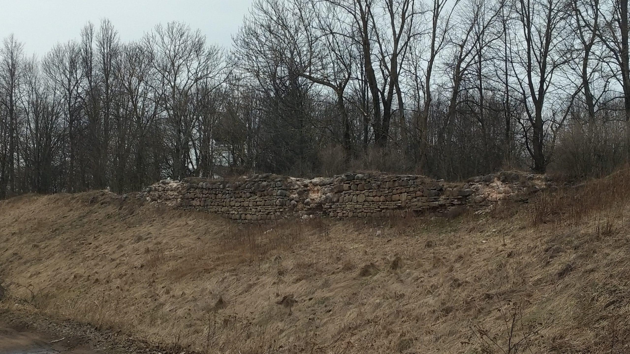 Стена Гдовской крепости