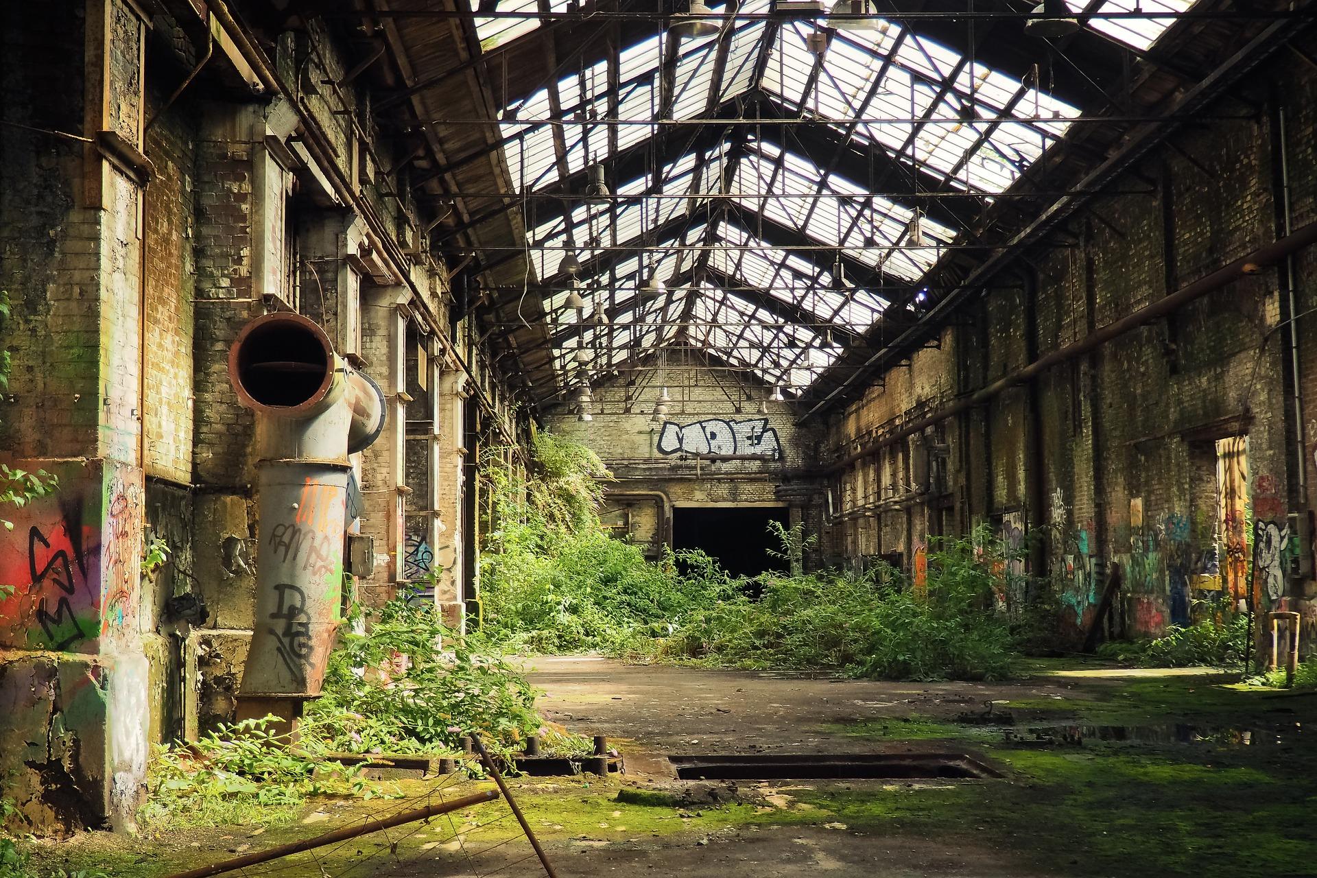 Промышленный туризм: кто любит заводские заброшенки?