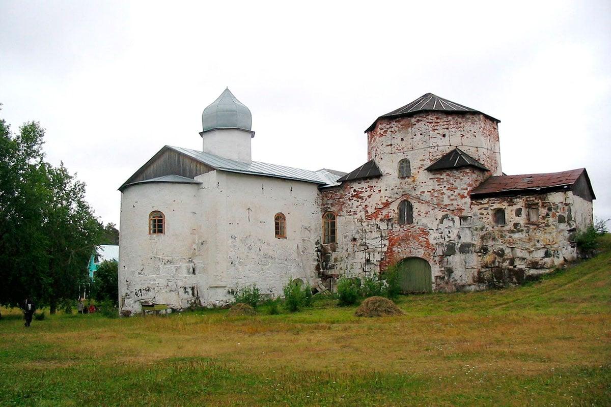 Кий остров. Онежский Крестный Монастырь, Церковь Рождества Богородицы