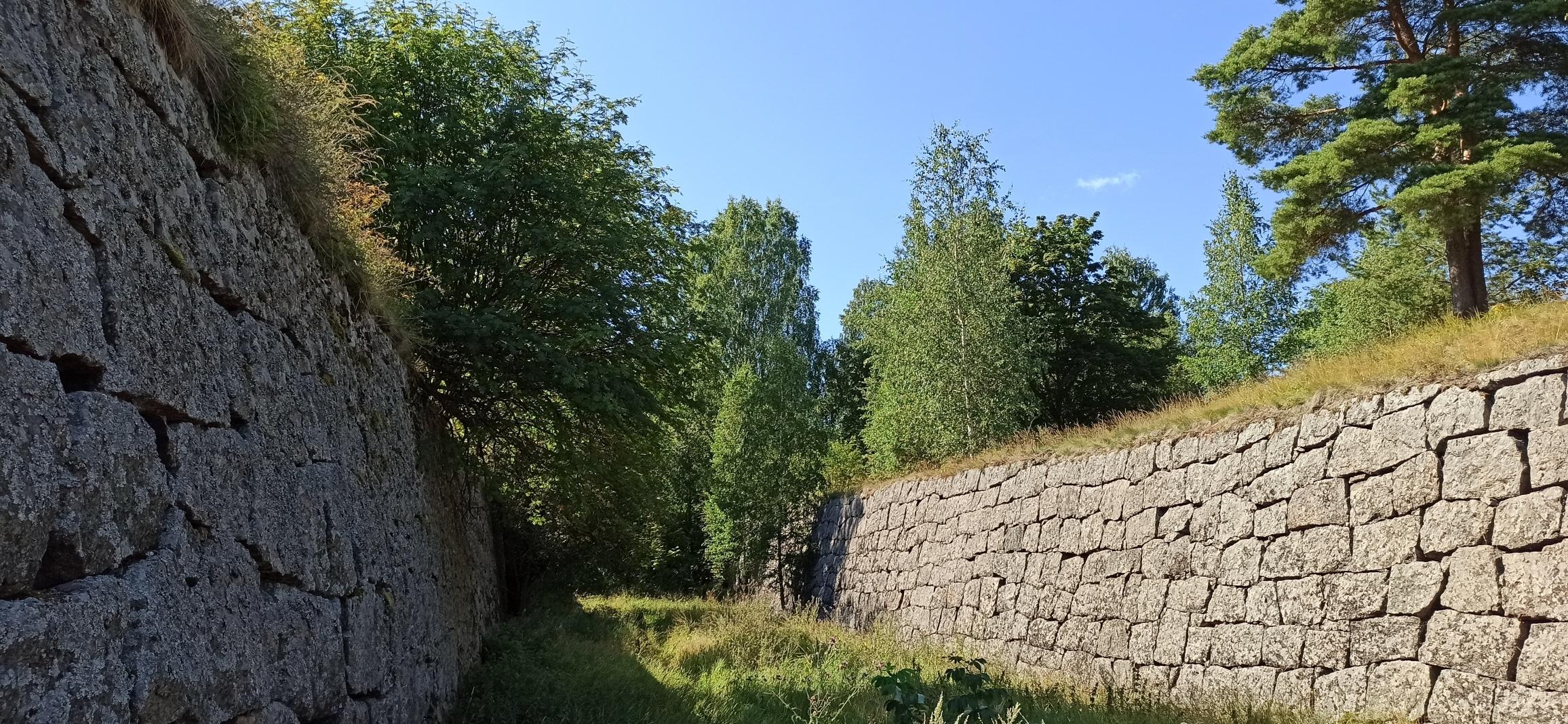 Высоцк, стены крепости