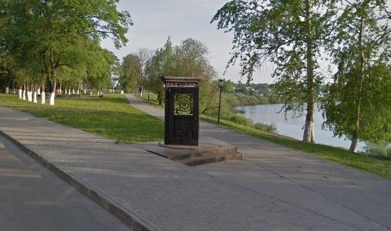Памятники Вологды: дверь в...
