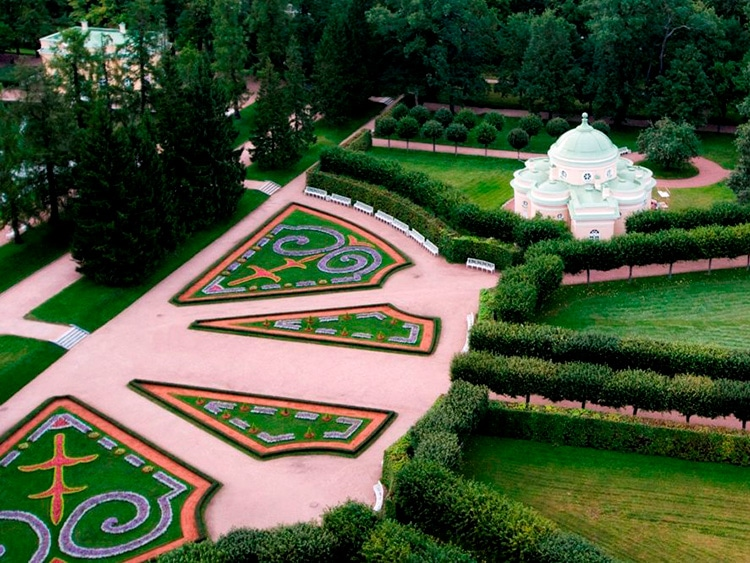 Царские бани в Пушкине: нижняя ванна